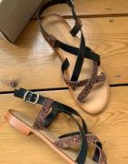 Vero Moda leather strappy sandals in print-Multi